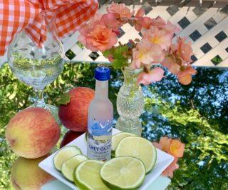 A 'Peachy Beachy' Cocktail on the Rocks